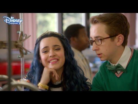 Disney Descendants - Evie Knows Best - Official Disney Channel UK HD