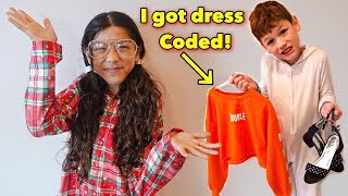 My brother picks out my outfits for the week | Txunamy