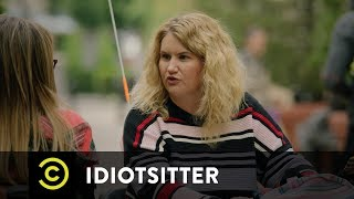 Idiotsitter - Gene and Billie Face Off