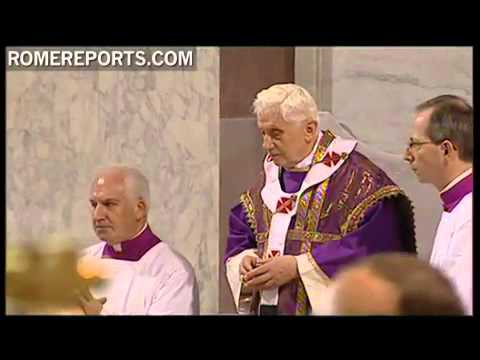 Pope receives cross of ashes on forehead for Lent