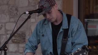 "Matt Maeson ""Cringe (Live at The Barn Sessions)"""