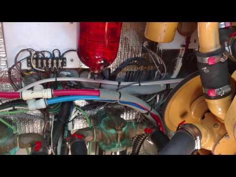 1987 Sea Ray 390EC ENGINE ROOM