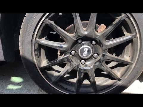 How to Change the Front Brake Pads on a 2006 Honda Civic