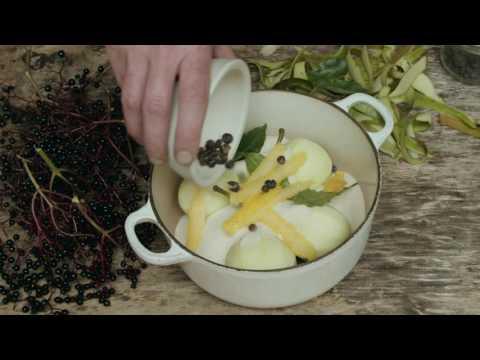 Pears cooked in elderberries & juniper