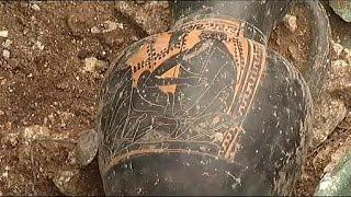 Francia: scoperta tomba celtica in perfette condizioni