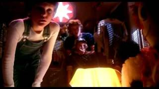 E-T the Extra Terrestrial Original Trailer 1982