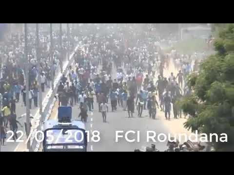 Tuticorin violence: Crowd chasing police on 22 May during the anti-Sterlite protests