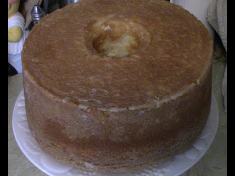 Southern pound cake made from scratch with instructions and recipe showing how to make a pound cake