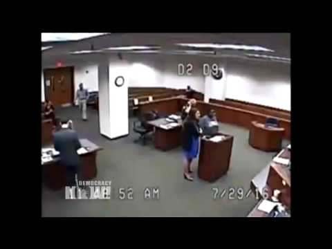KY Judge Scolds Jail Officials After Woman Comes to Court Without Pants