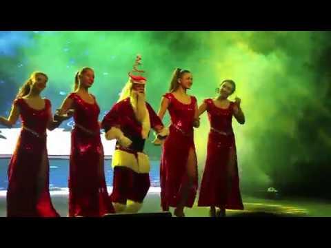 Indian Santa With Russian Girls | Bangalore