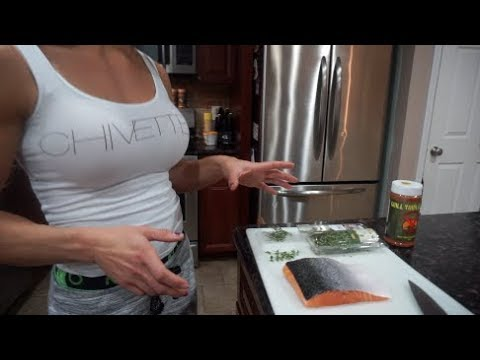 How to Cook Salmon in a Cast Iron Skillet on a Stovetop