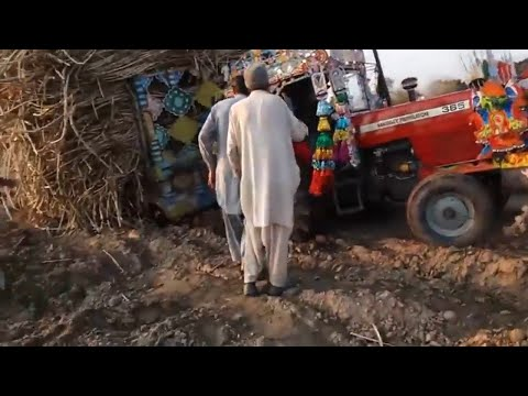 Massey 385 Fails to Pull Heavy Sugarcane Loaded Trolley  Powerful Tractors