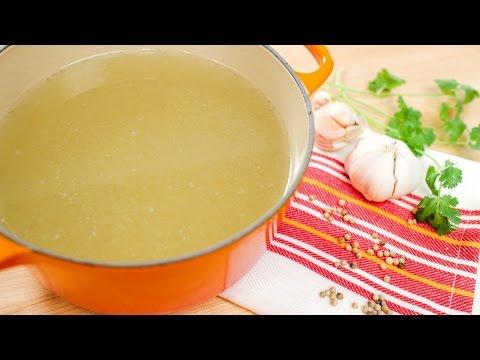 Thai-Style Chicken Stock Recipe น้ําสต๊อกไก่ - Hot Thai Kitchen!