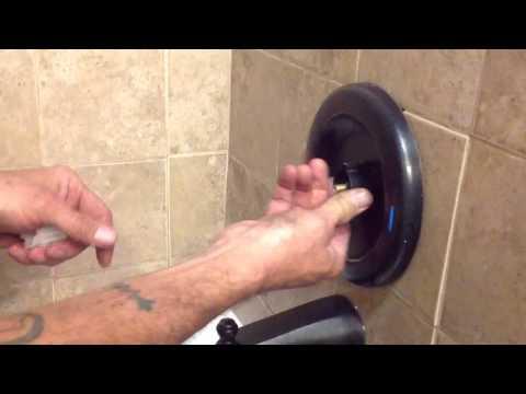 Moen faucet  loose handle