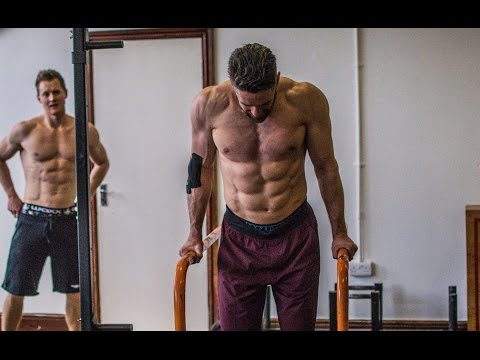 Build Bigger Chest Shoulders and Triceps With Dips | School of Calisthenics