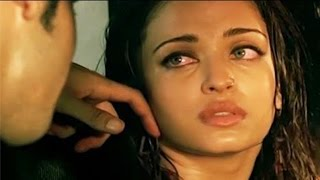 Aishwarya Rai Bachchan Hot Scene in Ae Dil Hai Mushkil Movie 2016 | Bachchans Miffed