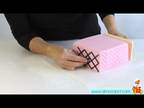 How To Use Side Design Embossers To Decorate Your Cake