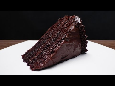MOIST CHOCOLATE CAKE RECIPE IN URDU/ MOIST CHOCOLATE CAKE IN HINDI