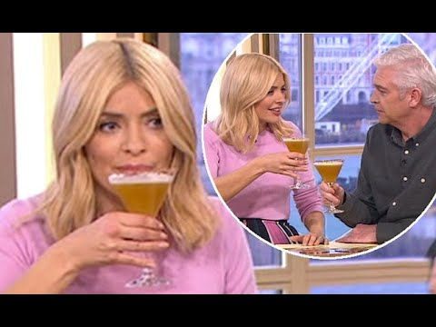 Holly Willoughby and Phillip Schofield down margaritas
