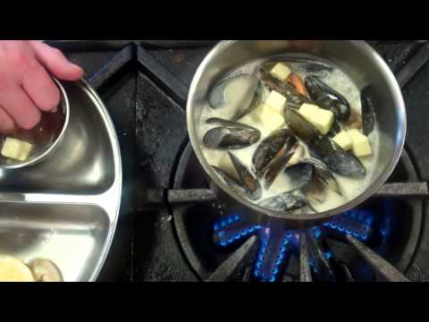 Basic information on how to finish mussels in a sauce