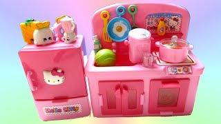 Bộ Đồ Chơi Nhà Bếp Hello Kitty (Bí Đỏ) Hello Kitty Kitchen + Shopkins  New Playset