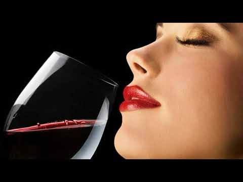 Red Wine Slows Down Aging And Makes Skin Glow-   Red Wine Skin Benefits