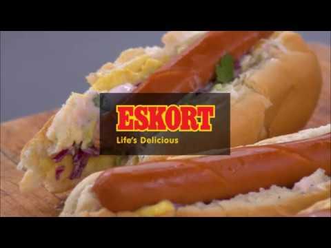 ESKORT: Hot dogs with coleslaw