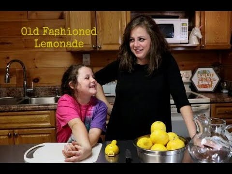 Old Fashioned Lemonade | Molly and Me | Recipe