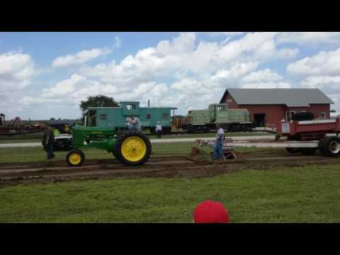 John Deere A at a tractor pull