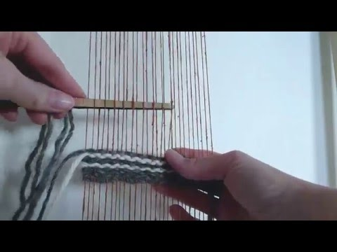 Plain weave tutorial - how to weave horizontal and vertical lines
