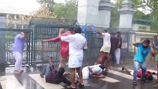 കെഎസ്യു മാര്ച്ചില് സംഘര്ഷം; ജലപീരങ്കി പ്രയോഗിച്ചു; പ്രവർത്തകർക്ക് പരുക്ക്l    KSU protest