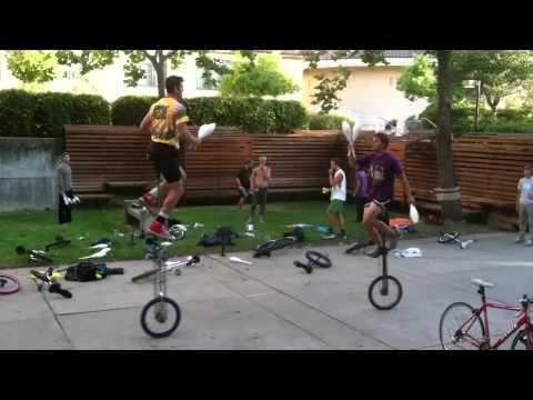 2 Giraffe Unicycle Juggling - Something Ridiculous