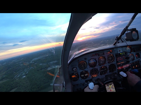 Flying the pattern in a Mooney M20C at Robbinsville N87.