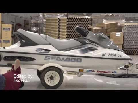 How to Recover a Personal Watercraft Seat
