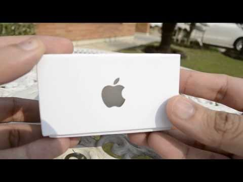 Unboxing and hands on Iphone 5S Champange Gold in Urdu.