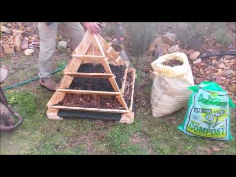 How to fill the Amazing Pyramid Planter
