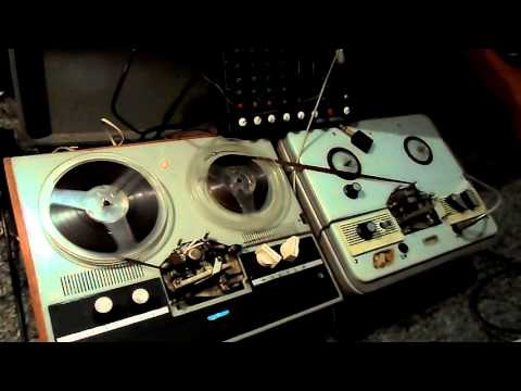 Reel-to-Reel tape delay and ambient guitar improvisation