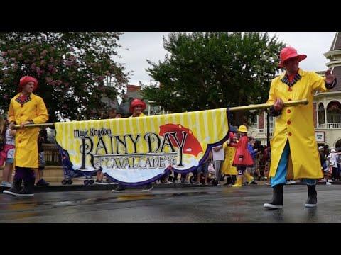 How to Disney: Magic Kingdom in the Rain