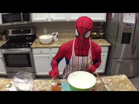 Spider-Man Bakes FROZEN  Cookies for young Elsa!