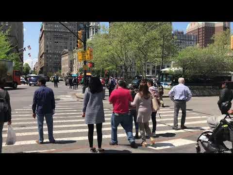 crossing Brooklyn Bridge Blvd, New York (5-7-18)