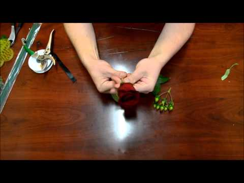 How to: Boutonniere for a Wedding or Prom