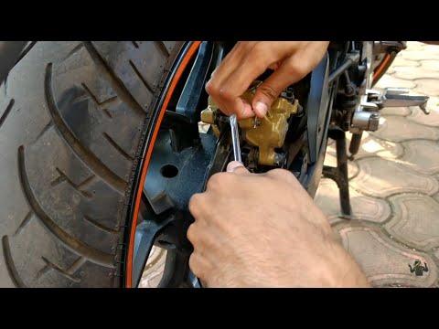 How To Change Brake Pads Of Bike (Hindi) Rear Disc Brake Pads Change Bajaj Pulsar 220 NS200 AS200