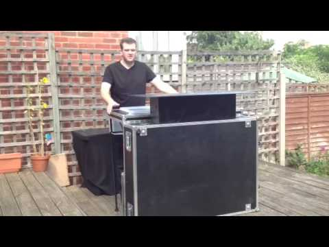 Portable cocktail bar in a flight / road case ishakeit.co.uk