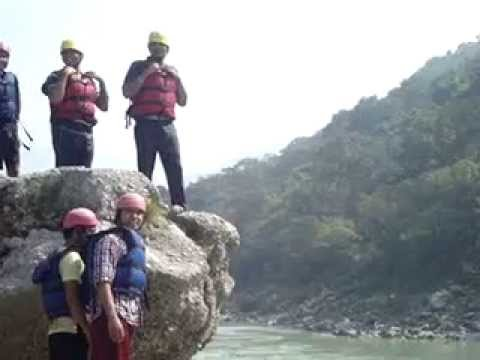 Video: Cliff Jumping at Rishikesh-Haridwar
