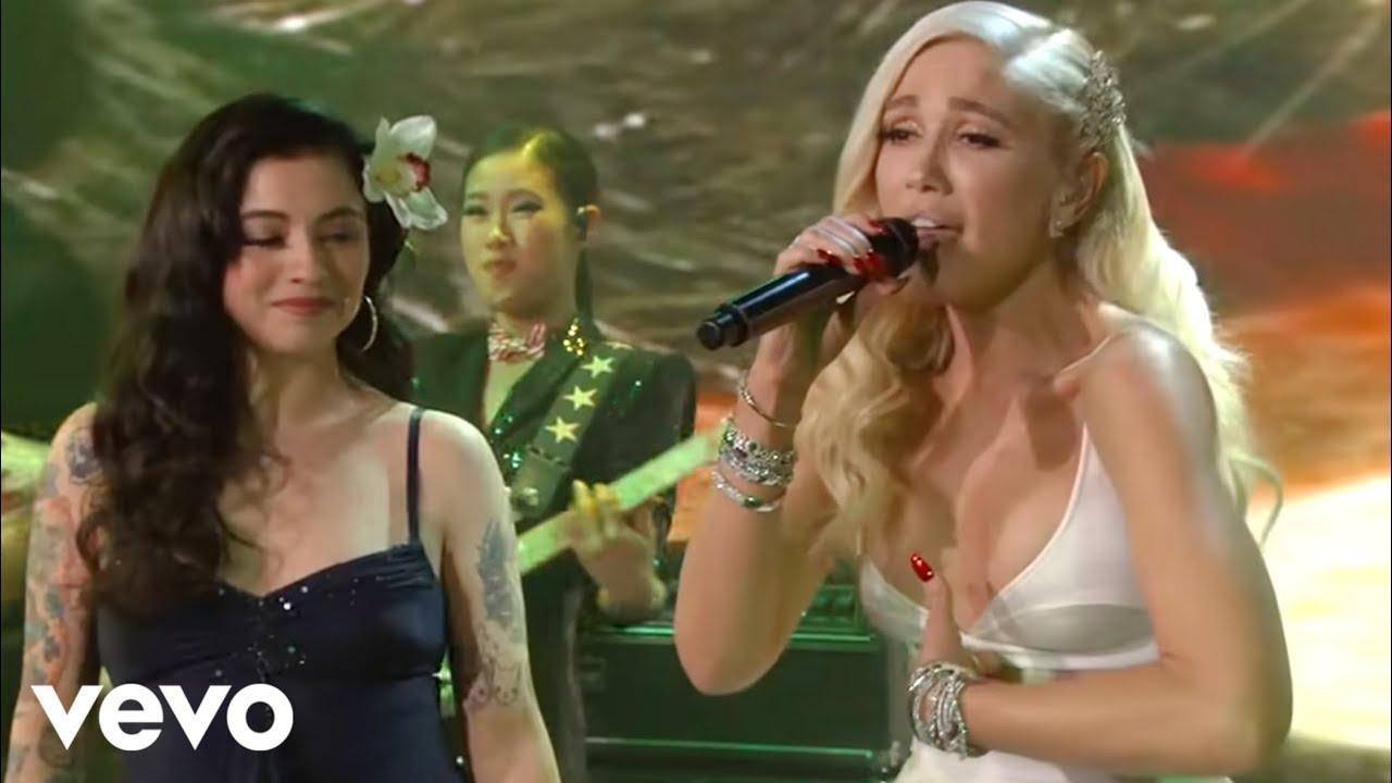 Gwen Stefani - Feliz Navidad (feat. Mon Laferte)