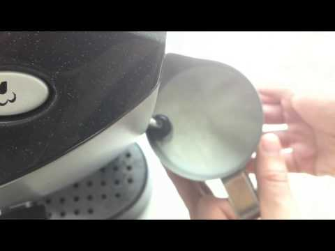 How to froth milk for latte art using home espresso machine