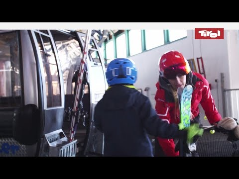 Gondola ski lift with kids - top tips  |  Kid ski lift Tyrol