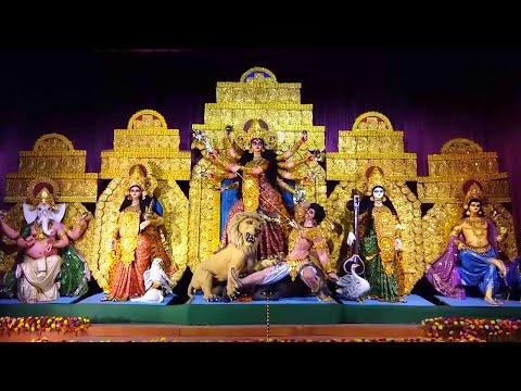 Ekdalia Evergreen Durga Puja 2015 with intricate wooden artwork