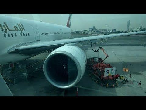 Emirates Boeing 777-300 Take off from Dubai