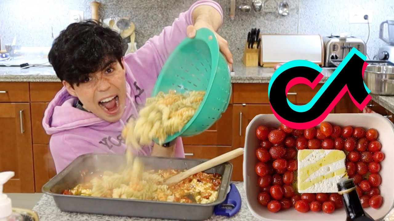 making tiktok's VIRAL PASTA (very yummy)